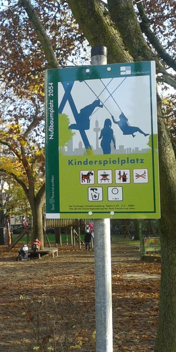 Spielplatz-Schilder